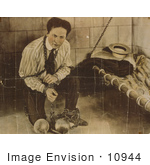 #10944 Picture Of Harry Houdini In Balls And Chains