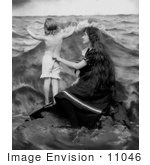 #11046 Picture Of A Mother And Child At The Beach
