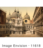 #11618 Picture Of A Court In Doges' Palace