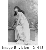 #21418 Stock Photography Of The Actress Sarah Bernhardt Wearing A Cloth While Acting And Curiously Looking Upwards