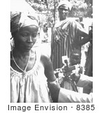#8385 Picture Of A Togolese Woman Getting A Smallpox Vaccine - 1967