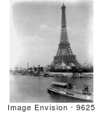 #9625 Picture Of A Tourist Boat By Eiffel Tower