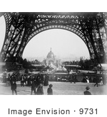 #9731 Picture Of Central Dome Through The Eiffel Tower