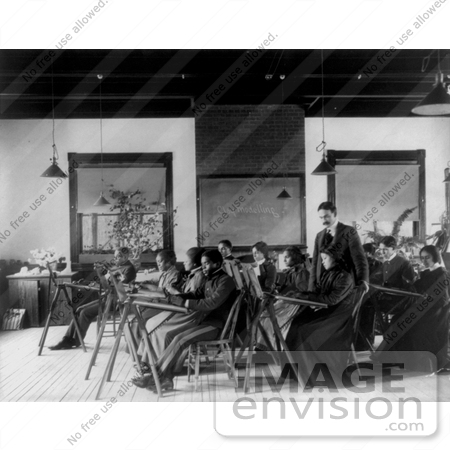 Picture of a teacher and students in a classroom 11283 for Blackboard hampton