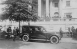 Free Picture of Calvin Coolidge in Car at DAR Hall