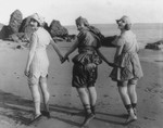 Free Picture of Lillian Langston, Edith Roberts, and Myrtle Reeves