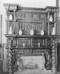 Free Picture of Dining Room Mantel