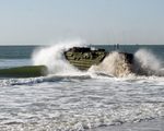 Free Picture of Amphibious Assault Vehicle