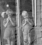 Browning Children in Doorway